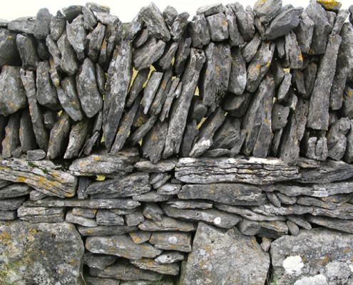 ARUN ISLAND VERTICAL STONE WALL